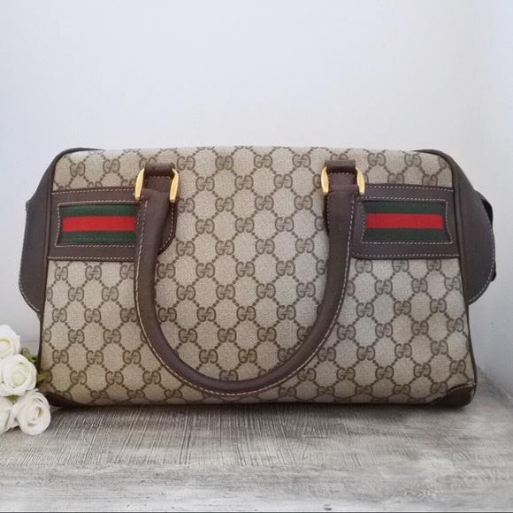 6d97f7c8787 Gucci Handbags - Gucci GG Supreme Tote Satchel Handbag